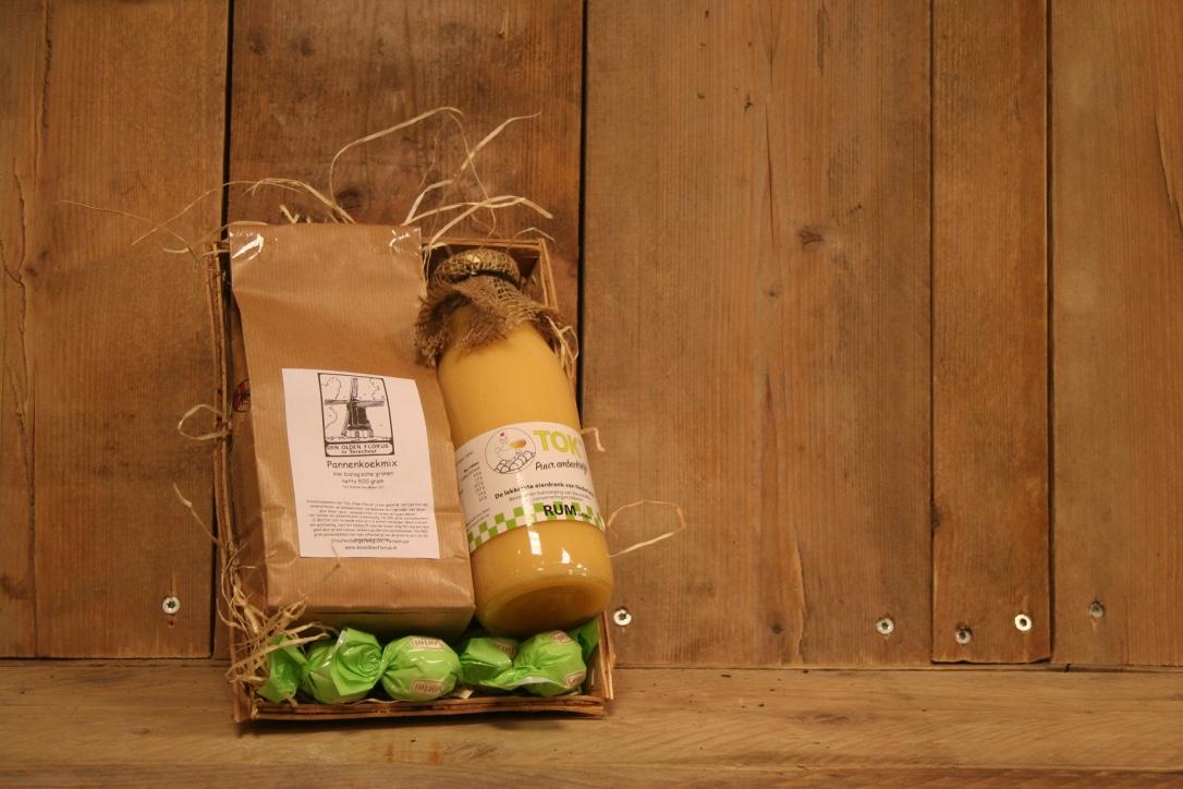 Heerlijk Hollands pakket met tokkelroom en pannenkoekmix