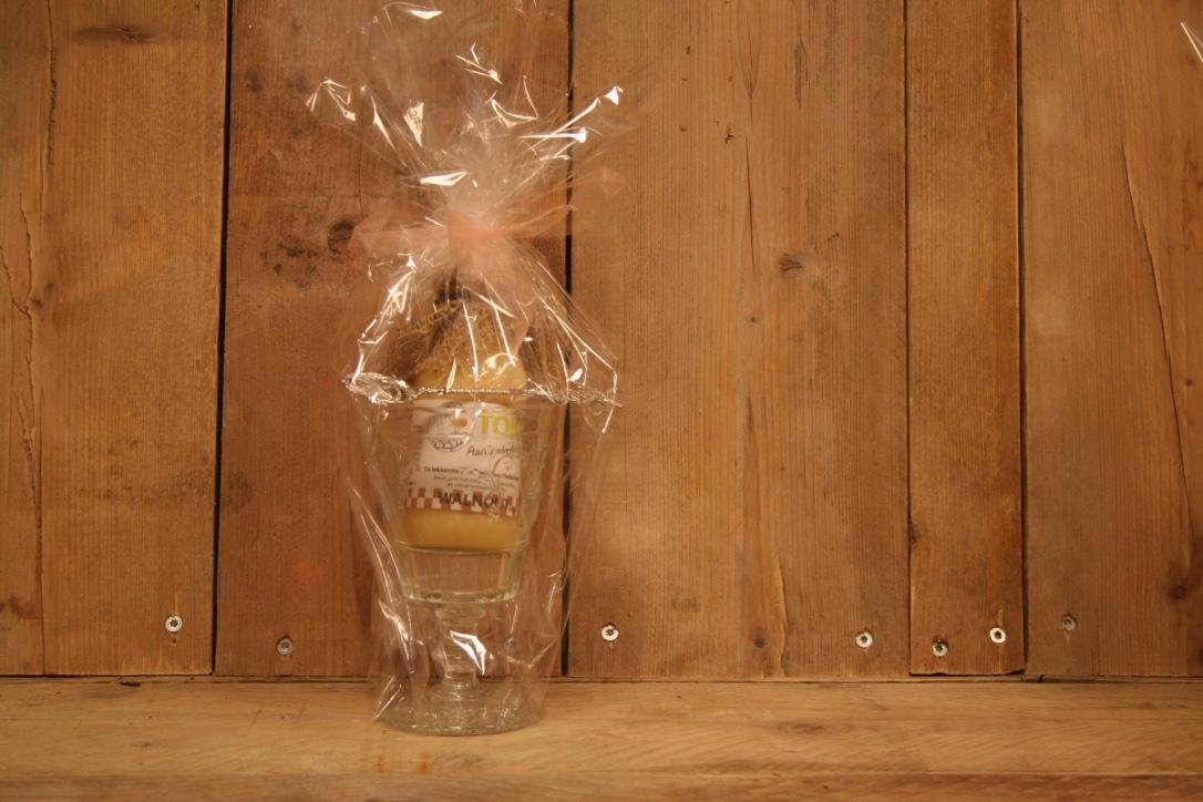 Luxe glas met puur ambachtelijke tokkelroom